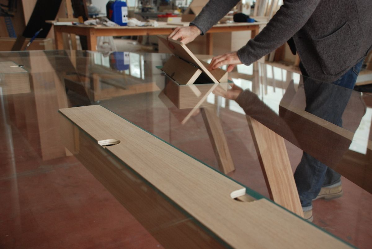 Nude table by ITCH Studio