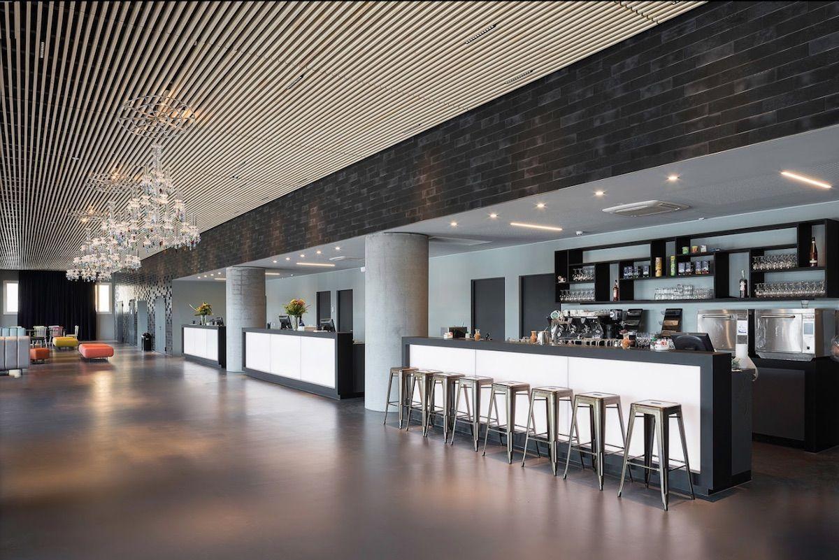 AO Hotels - false ceiling with open slats - Venice Mestre