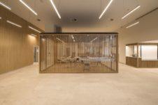 Gruppo La Poste - spazi coworking autoportanti in legno a doghe e vetro - Paris France